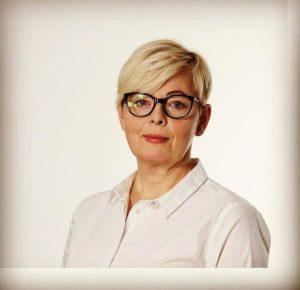 <b>Ewa Łukasik</b>
