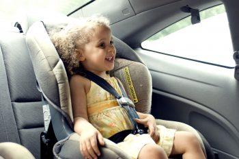 Jak kupić bezpieczny fotelik samochodowy?