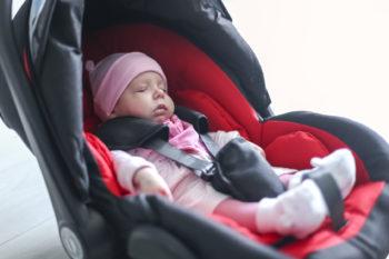 Bezpieczny transport noworodka ze szpitala do domu