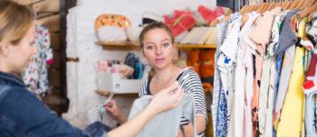 Jakie tkaniny wybierać, kupując ubranko dla dziecka?