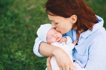 Jak ubierać noworodka latem?