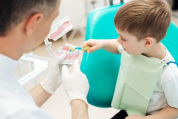 Co zrobić, aby dziecko nie bało się wizyty u stomatologa?