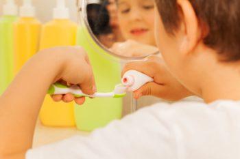 Pasta do zębów – z fluorem czy bez?