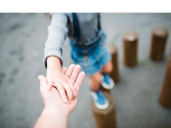 Rodzicielstwo bliskości – czy i jak działa?