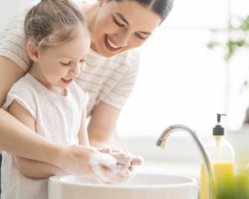 Jak dbać o higienę rąk u dzieci?
